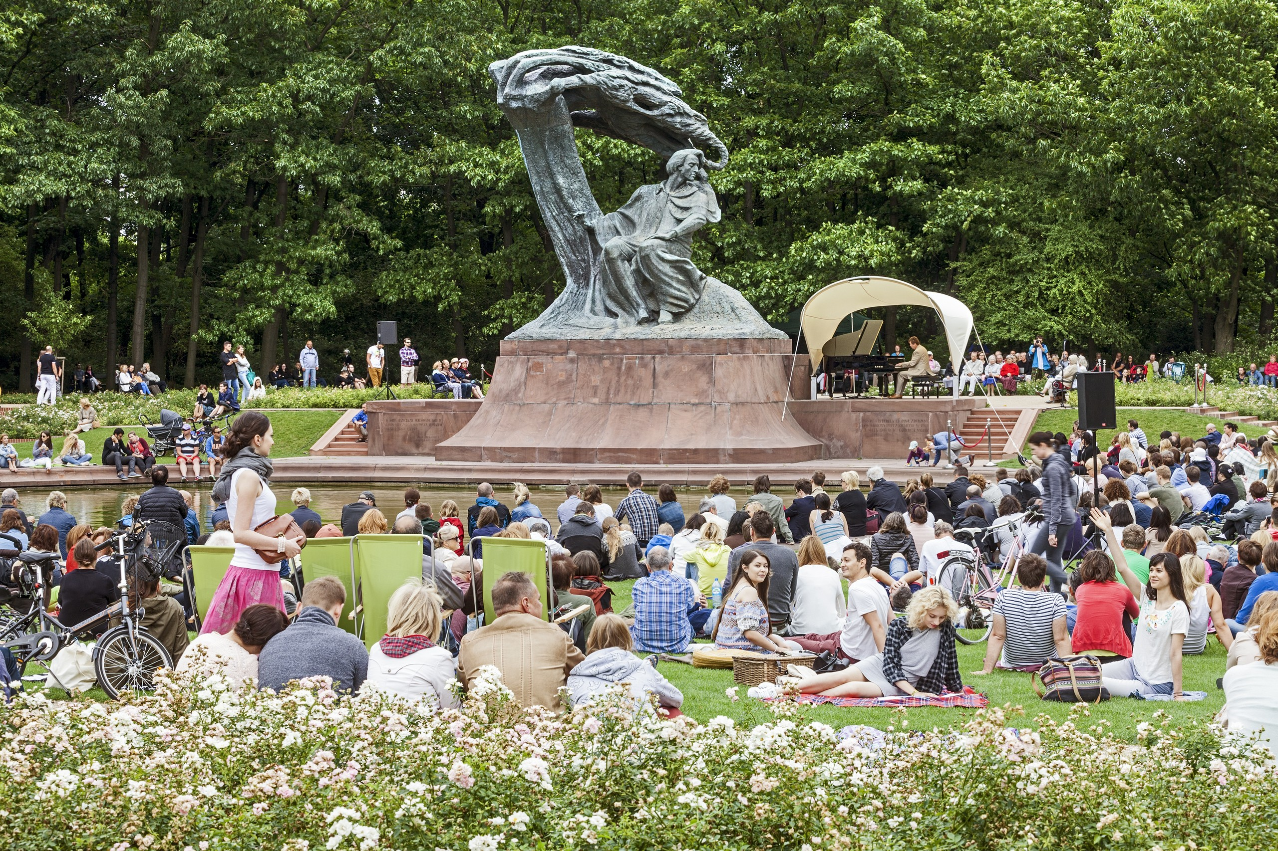 Photo of WARSAW : CHOPIN CONCERTS IN ŁAZIENKI ROYAL PARK