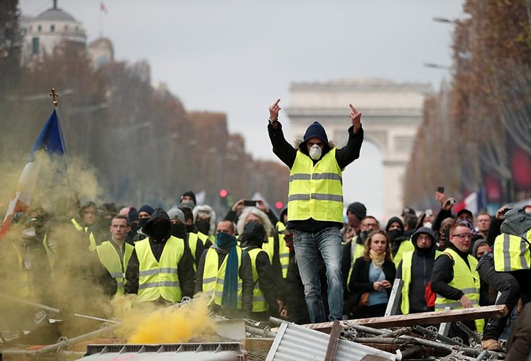 Photo of Paris riots hurt French tourism